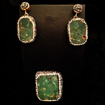 green-gold-jewelry-set-chakraas-w.jpg